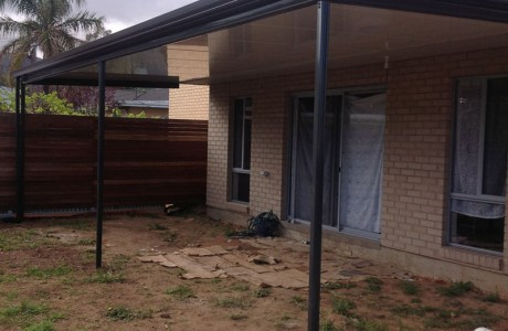 Flat outback cool deck verandah