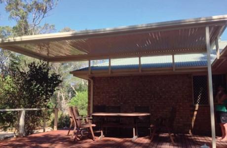 flat-outback-verandah-on-riser-brackets