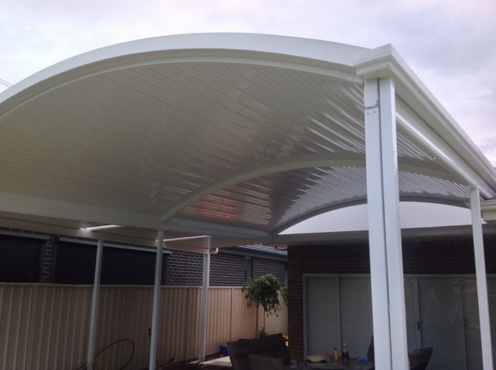 Clear Span Curve Verandah With Outback Deck Roofing Sheet